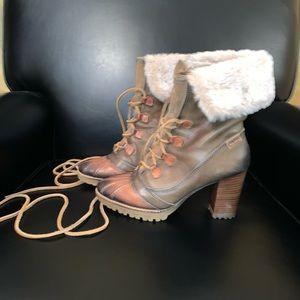 Pikolinos Fur boots
